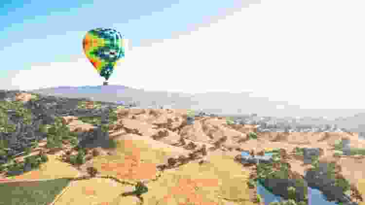 hot air balloon rides are a great gift idea for him
