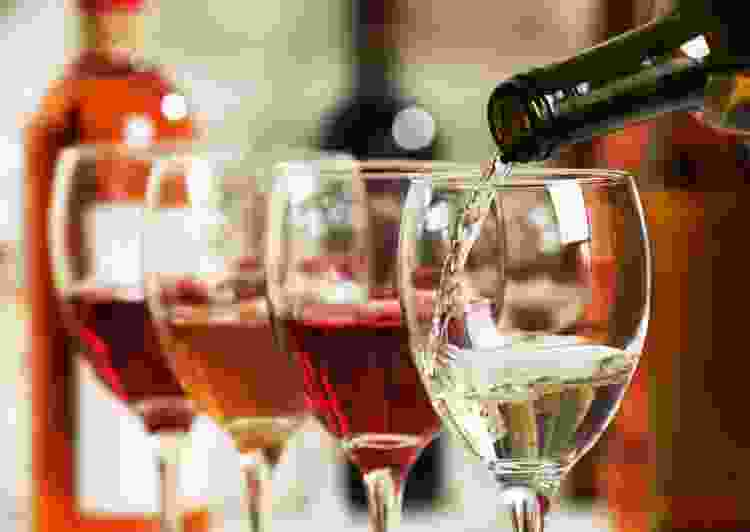she'll love an experience gift of a winery tour