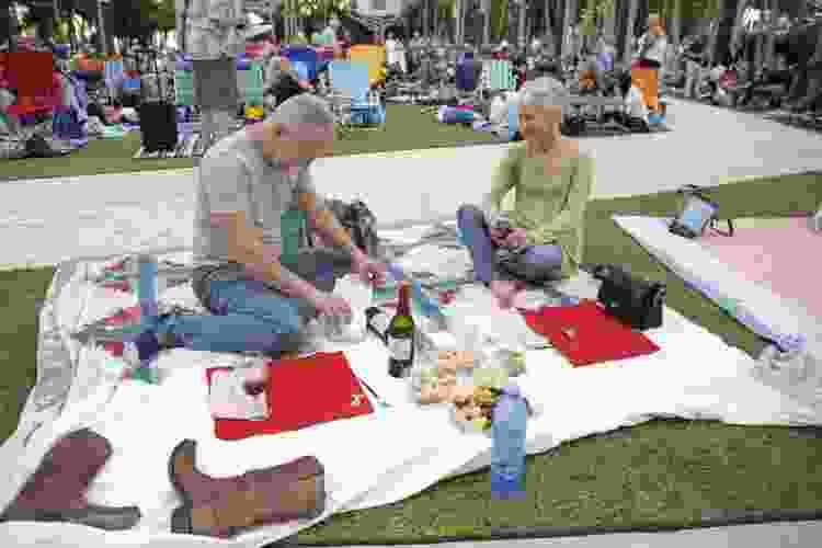 couple enjoying a picnic at soundscape park