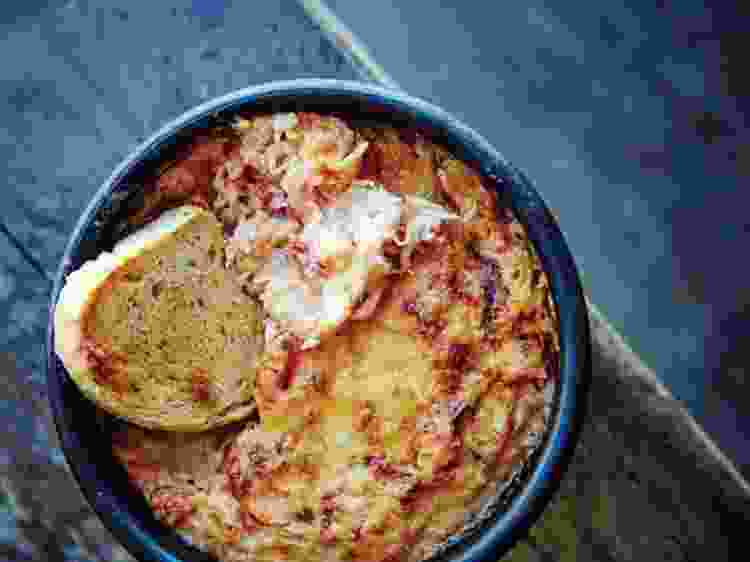 Make Kingslayer Crab Dip for a Game of Thrones feast worthy of seven kingdoms!