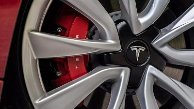 Tesla%20Model%203%20that%20crashed%20in%20Florida...
