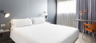 Habitación doble matrimonial Hotel B&B Barcelona Mollet