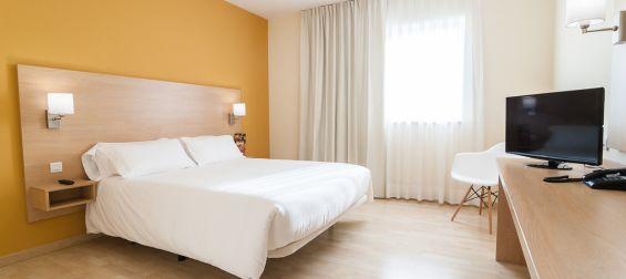 Habitación doble matrimonial Hotel B&B Madrid Las Rozas