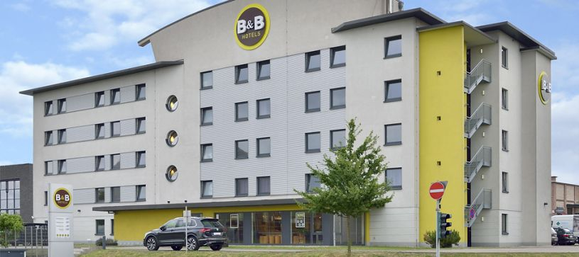 Hotel Oberhausen am Centro exterior by day
