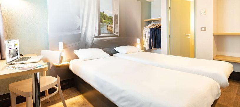 hotel en laval habitación doble
