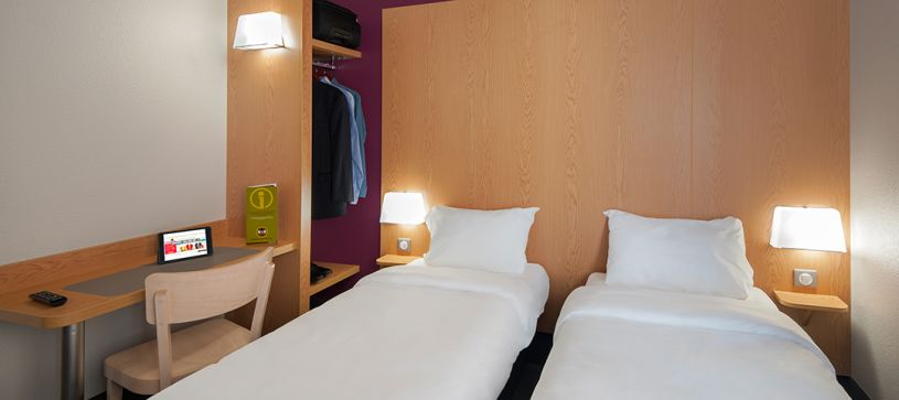 hotel in lyon double room 2 beds