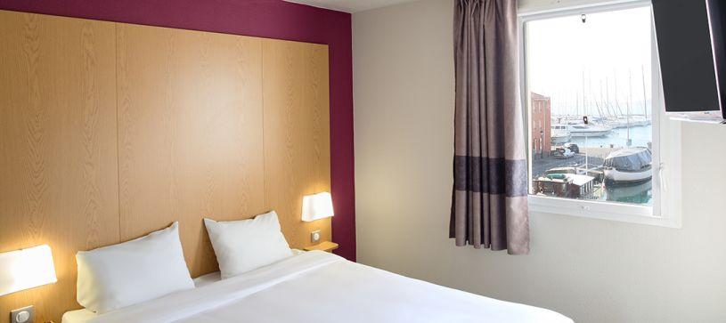 hôtel à martigues chambre double
