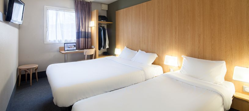 hotel in orly double room 2 beds