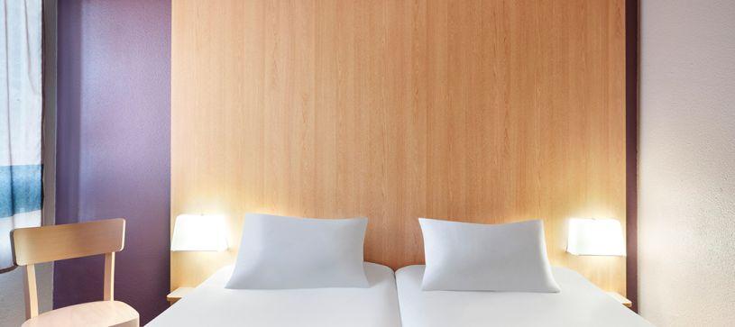 hotel in perpignan double room 2 beds