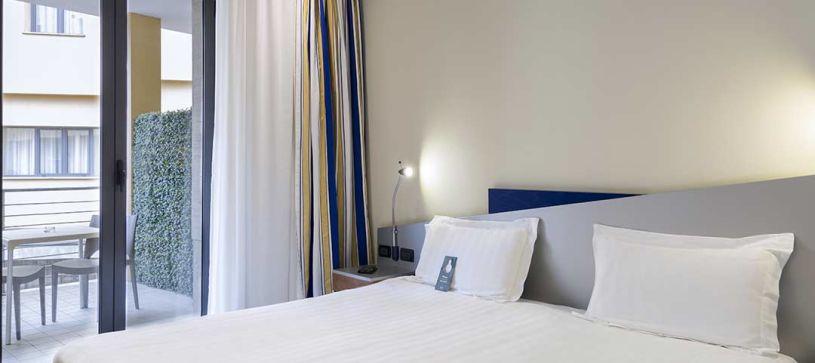 B&B Hotel Roma Tuscolana - Camera matrimoniale