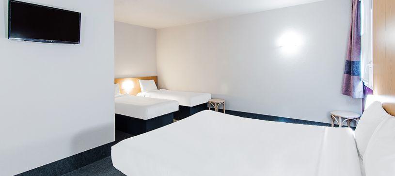 hotel en toulouse habitación familiar