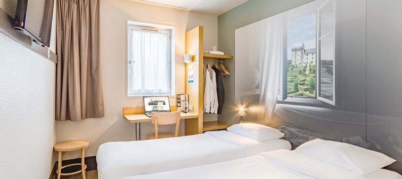 hotel in tours double room 2 beds