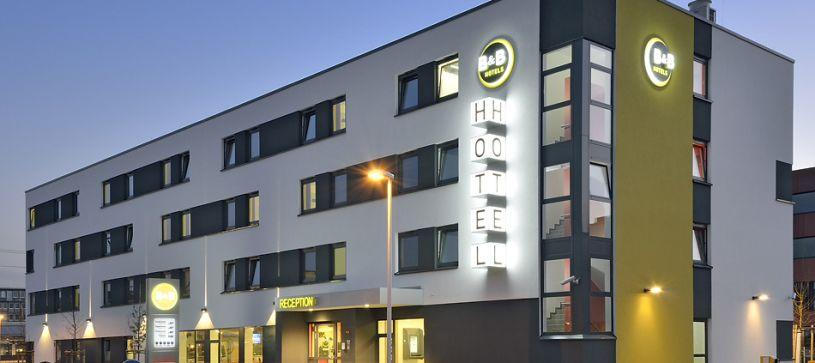 Hotel Aschaffenburg Außenansicht bei Nacht