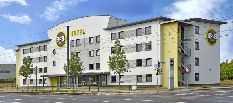 Hotel Augsburg exterior by day