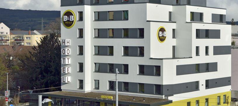Hotel Basel/Weil am Rhein exterior by day