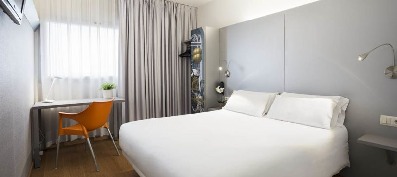 Hotel B&B Figueres habitación doble matrimonial