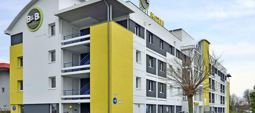 Hotel Köln-Frechen exterior sideview