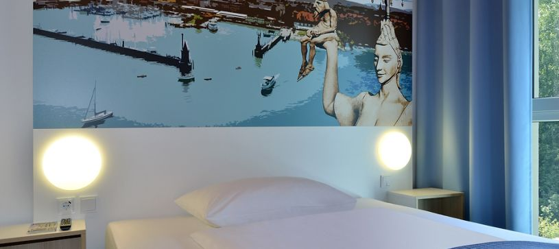 Hotel Konstanz bedroom for 1 to 2 persons closeup