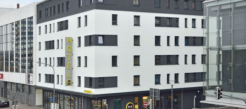 Hotel Ludwigshafen exterior by day