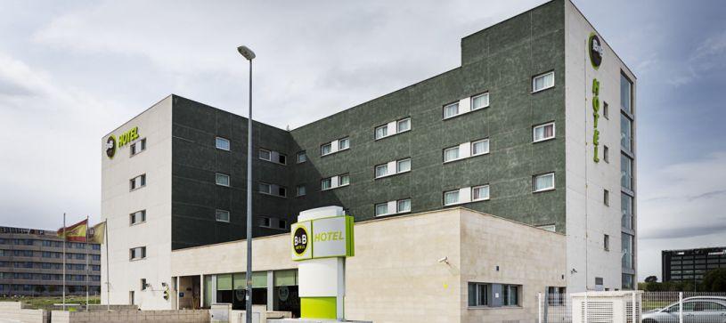Edificio Hotel B&B Madrid Airport T1 T2 T3