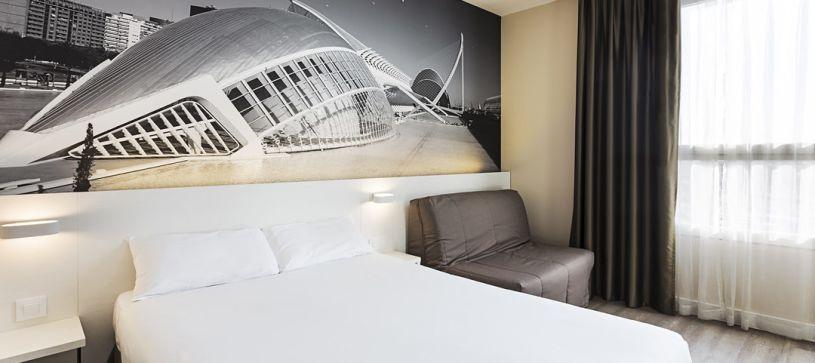 Habitación doble matrimonial Hotel B&B Valencia Ciudad de las Ciencias