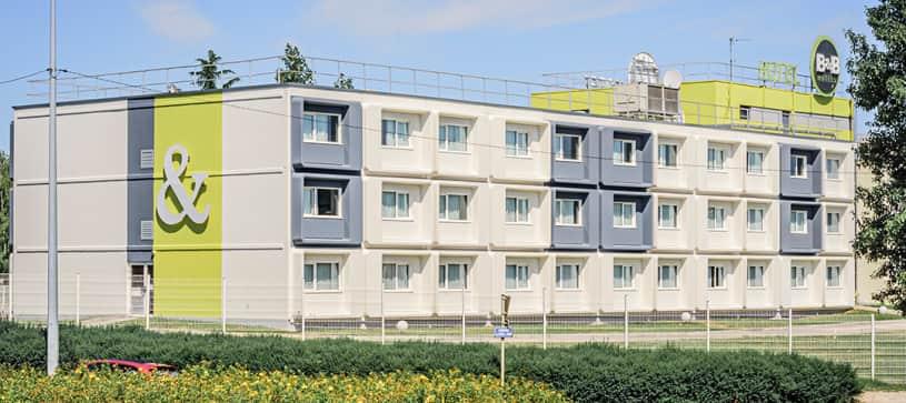 hotel front in besançon