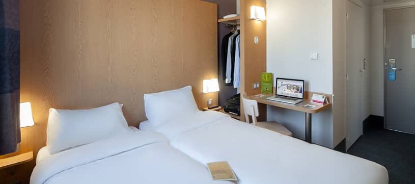 hotel in bordeaux double room 2 beds