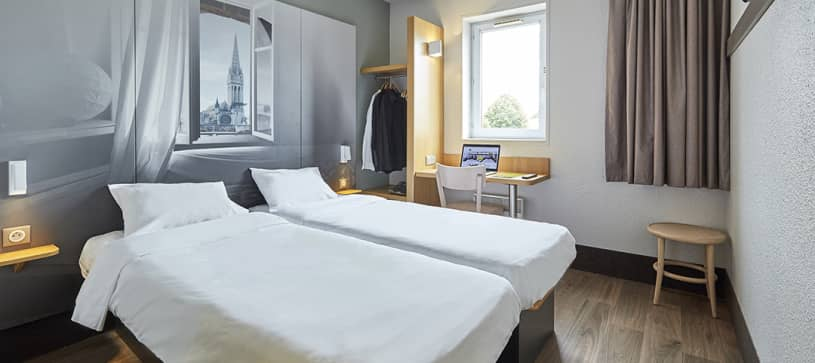 hotel in caen double room 2 beds