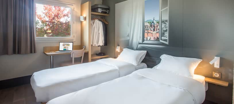 hotel in douai double room 2 beds