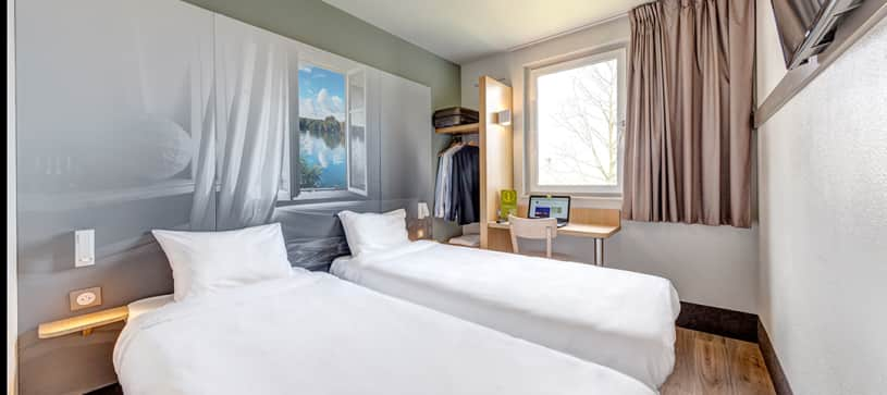 hotel in goussainville double room 2 beds