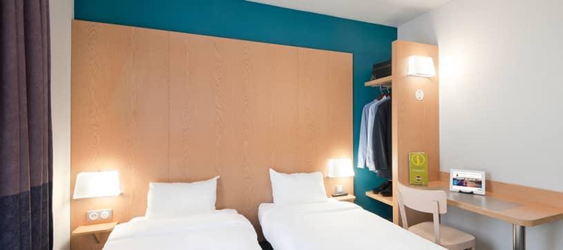 hôtel à grenoble chambre double 2 lits