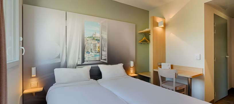 hotel in marseille double room 2 beds