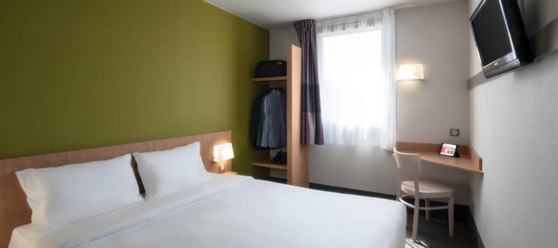 hotel en paray le monial habitación doble