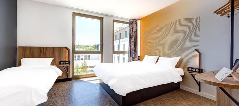 hotel in paris family room