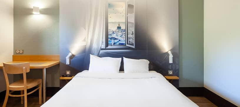 hotel in pontault combault double room