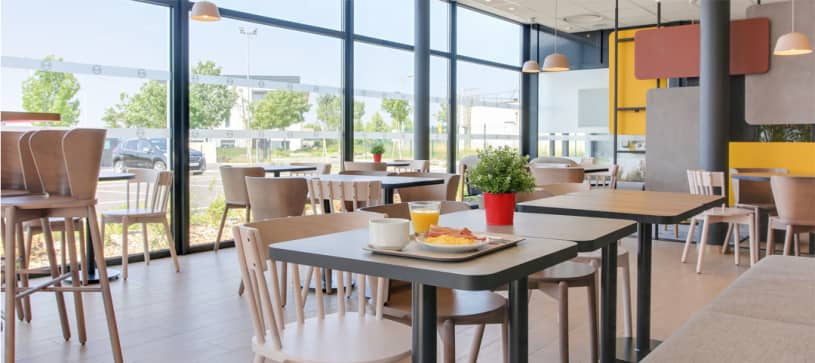 B&B Hôtel à Reims Croix Blandin | salle petit déjeuner