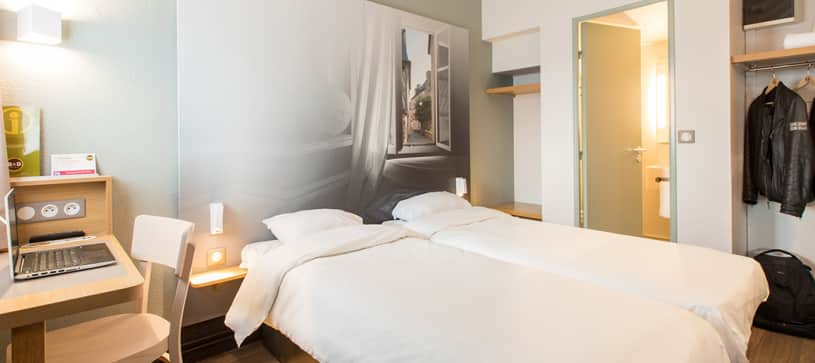 hotel in rennes double room 2 beds
