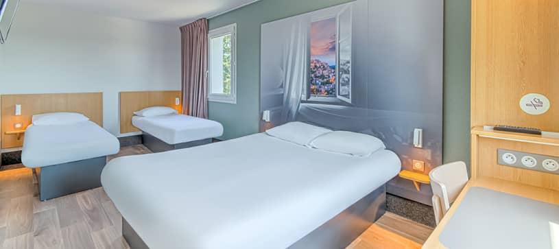 hotel in salon de provence family room