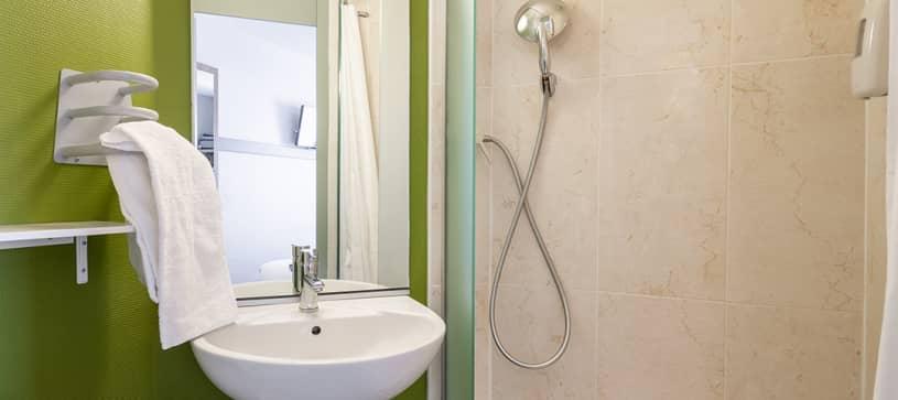 hotel in strasbourg bathroom