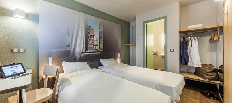 hotel in strasbourg in double room 2 beds