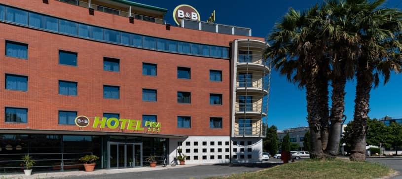 B&B Hotel Pisa building