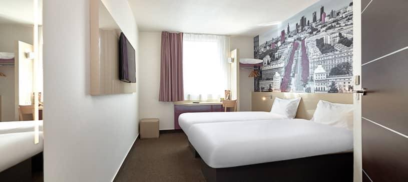TWIN room, violet city