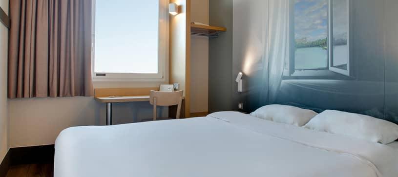 B&B HOTELS | Chambre avec 1 lit double | Non Fumeur (1/2)