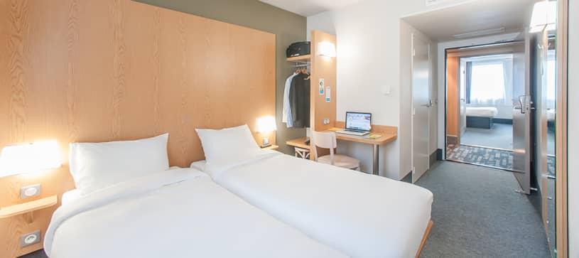 hotel in aubenas double room 2 beds