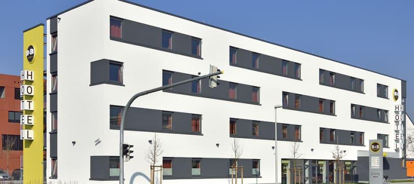 Hotel Aschaffenburg exterior by day