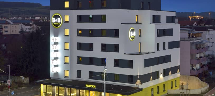Hotel Basel/Weil am Rhein exterior by night