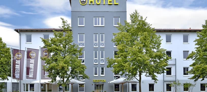Hotel Berlin-Dreilinden exterior by day