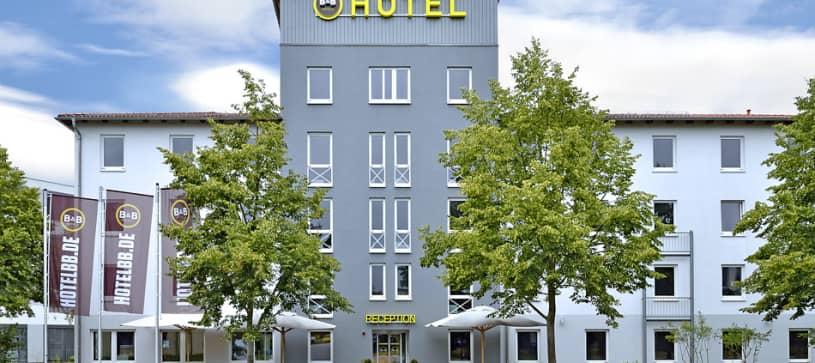 Hotel Berlin-Dreilinden Außenansicht bei Tag