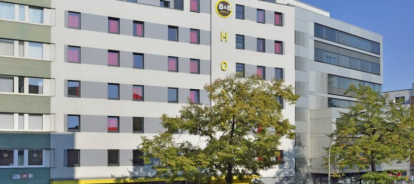 Hotel Berlin-Potsdamer Platz exterior by day