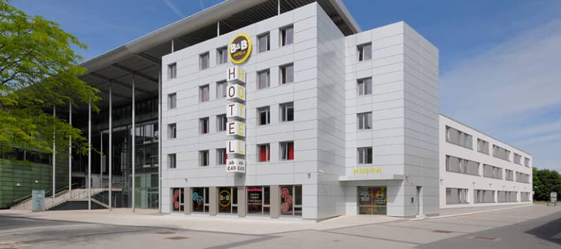 Hotel Bielefeld-City exterior by day